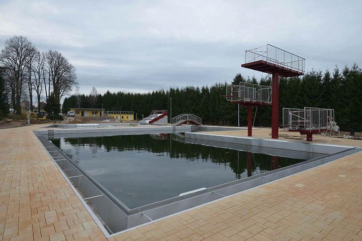 Das Sonnenbad in Rußdorf war 2017 wegen Bauarbeiten dicht. Jetzt ist es fertig saniert.