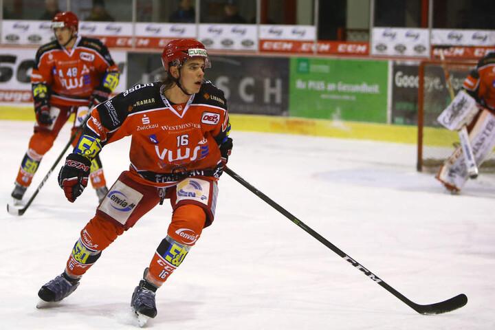 Vincent Schlenker erzielte ein Tor für die Eispiraten.