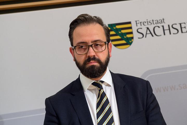 Justizminister Sebastian Gemkow (38, CDU) will bei Bedarf weitere Richter an  die Verwaltungsgerichte schicken.