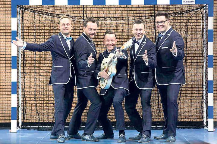 Die Firebirds geben in der Dresdner Ballsportarena eines ihrer insgesamt fünf Jubiläumskonzerte.