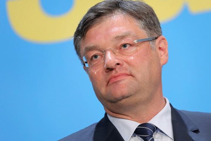 Auch Fraktionschef Holger Zastrow (47, FDP/FB) könnte künftig eine deutlich höhere Aufwandsentschädigung bekommen