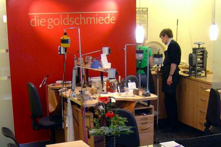 """In dem Geschäft """"Die Goldschmiede"""" können sich nicht nur Hochzeitspaare Unikate schmieden."""