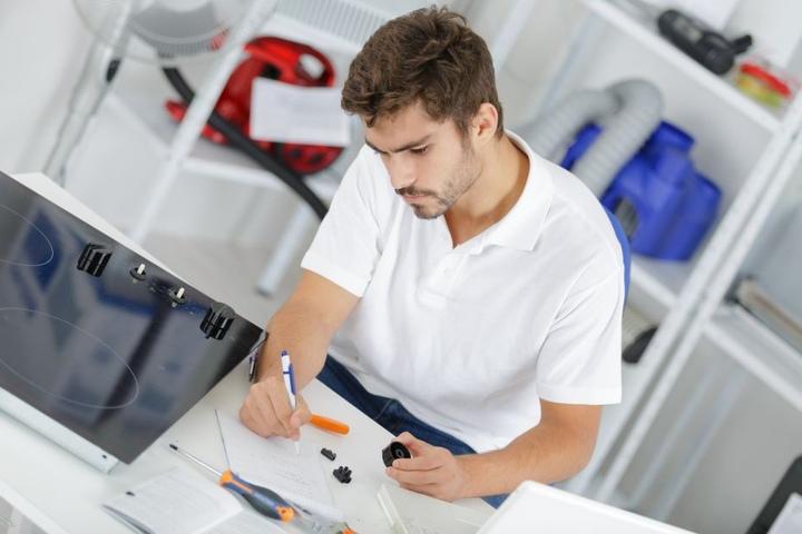 Nervige Abrechnungen, nervige Bürokratie: Die Handwerker stöhnen immer mehr unter Auflagen.