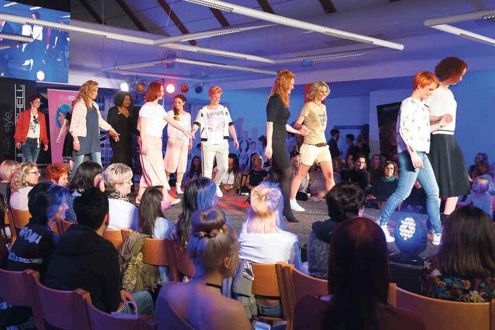 Eine Show für neue Chemnitzer Köpfe präsentierte die Friseurinnung in der  Handwerkskammer.