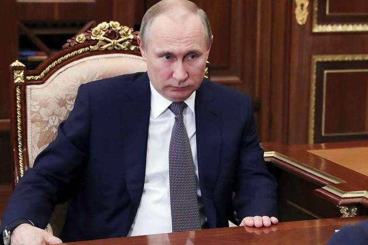 Wladimir Putin wirft den USA vor, mit dem Angriff, die humanitäre Situation in Syrien verschlimmert zu haben.