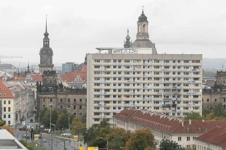 Sorgt der Eigentümer endlich wenigstens für warme Wohnungen in seinem  Hochhaus am Pirnaischen Platz?
