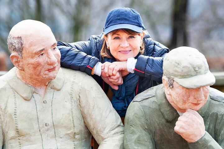 """Ihre Kunst hält sie jung: Christel Lechner (71) zeigt ihre beliebten """"Alltagsmenschen"""" ab Samstag in Lichtenwalde."""
