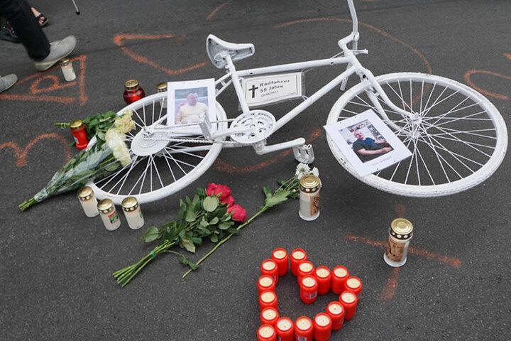 Auch Bezirksbürgermeisterin Franziska Giffey (39, SPD) nahm an der Mahnwache teil und drückte der Mutter des Verstorbenen ihre Anteilnahme aus.