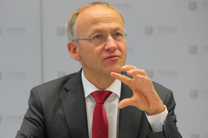 Peter Lames (55, SPD) will die Angebote in den Kitas verbessern. Doch das kostet.