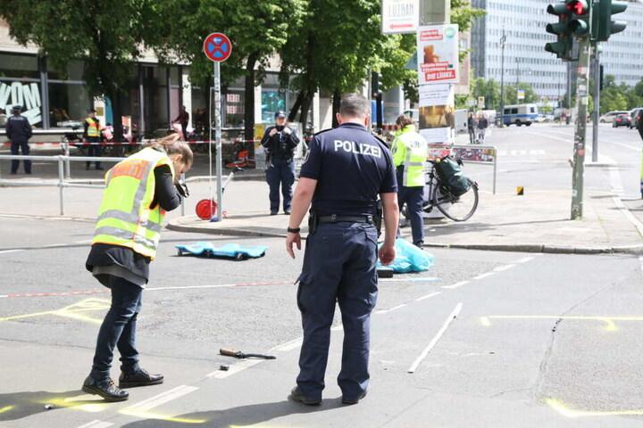 Die Polizei sicherte die Spuren des Unfalls.