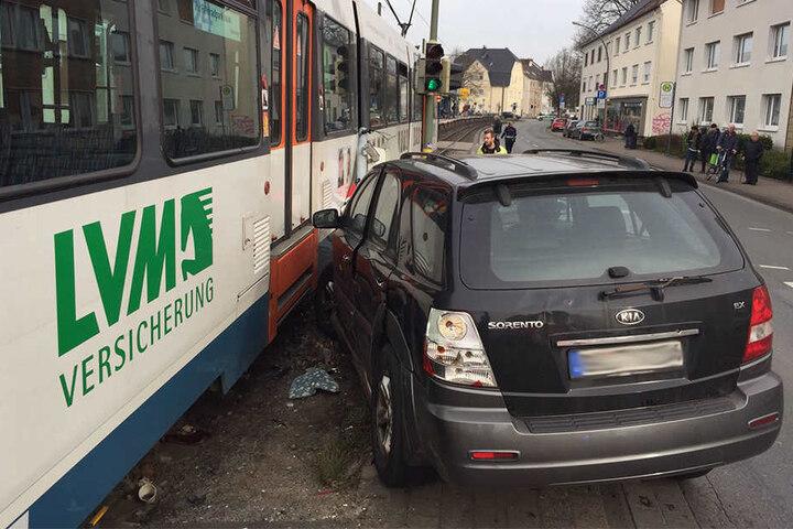 Eine Person wurde bei dem Unfall verletzt.