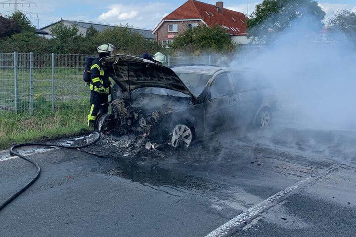 Verletzt wurde bei dem Feuer zum Glück niemand.