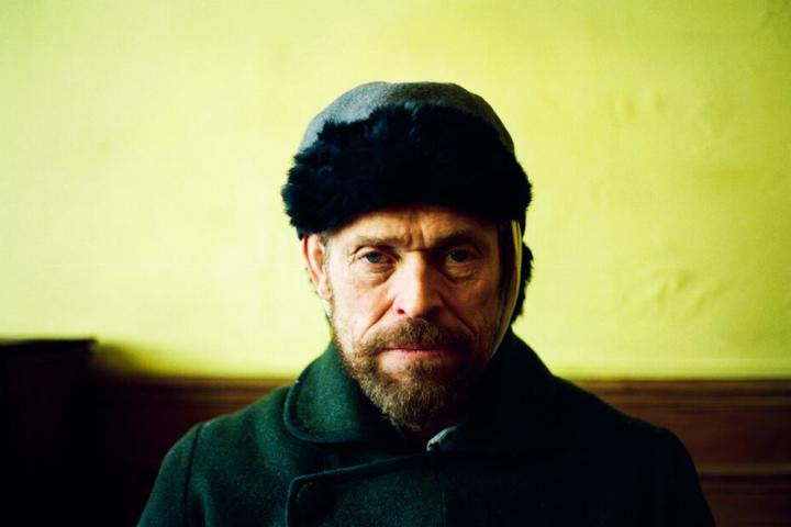 Ein kerniges Gesicht, das unter Millionen anderen heraussticht: Willem Dafoe ist die größte Stärke des Filmes. Er zeigt als Vincent van Gogh eine meisterliche Performance.