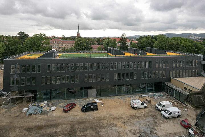 Ab Februar sporteln die 1250 Berufsschüler auf dem Dach des Schul-Neubaus.