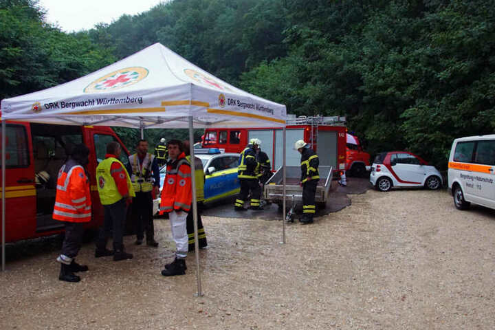 28. Juli 2019: Einsatzkräfte von Bergwacht und Feuerwehr an der Falkensteiner Höhle.