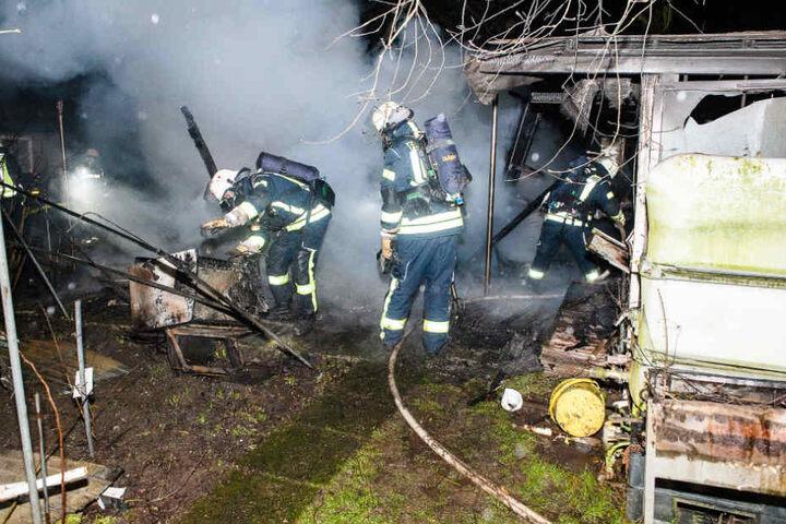 Die Feuerwehr rückte mit rund 25 Einsatzkräften an.