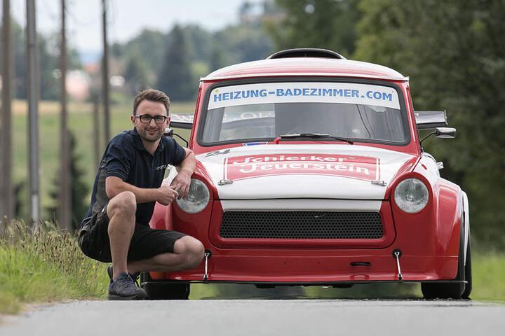Der Karosseriebauer und lizensierte Rennfahrer Ronny Urland (35) besitzt den schnellsten Trabi der Welt!