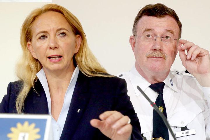 Leiter der Direktion Einsatz, Siegfried-Peter Wulff und Polizeipräsidentin Barbara Slowik.