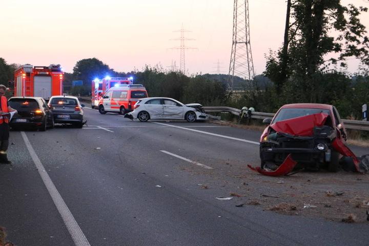 Die A57 bei Köln musste am Donnerstagabend gesperrt werden.