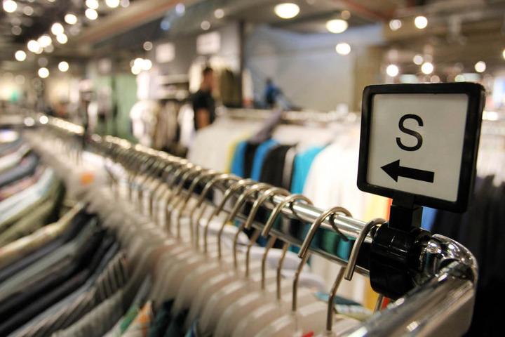 Der Betrug im Kaufhaus flog schnell auf. (Symbolbild)