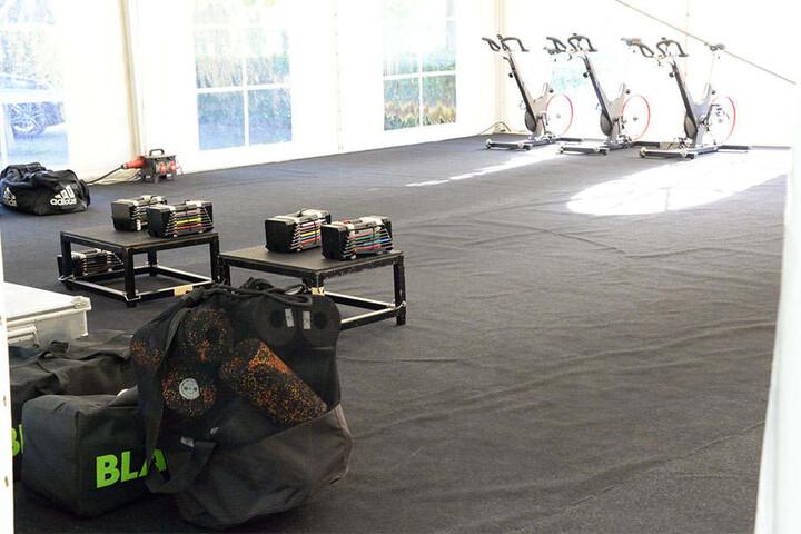 Der Fitnessraum steht bereit.