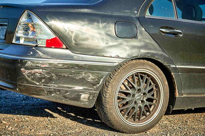 Wie genau das zweite Auto in den Unfall verwickelt war, sollen nun die polizeilichen Ermittlungen klären.