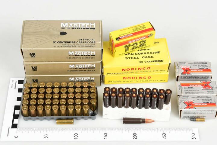 Diese Munition wurde in dem Düsseldorfer Puff gefunden.