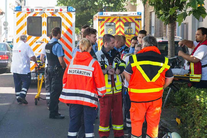 Jede Menge Feuerwehr und Krankenwagen rückten an.