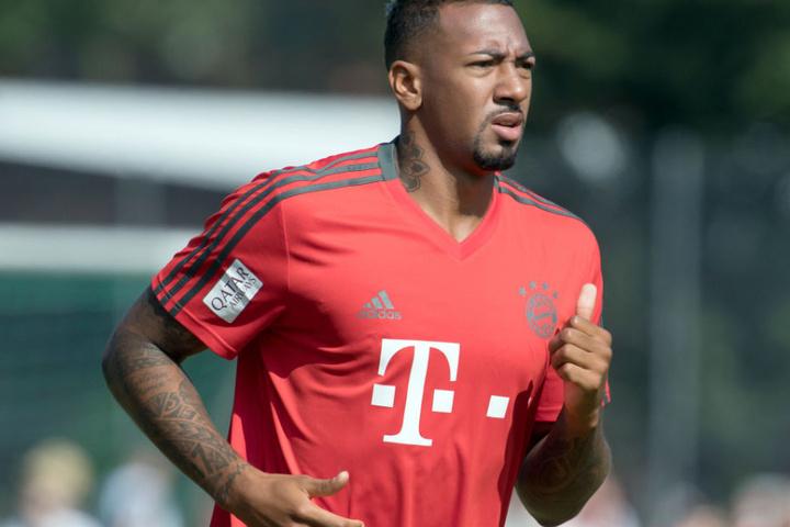 Jérôme Boateng ist mit der Unterstützung durch die Vereins-Bosse beim FC Bayern nicht zufrieden.
