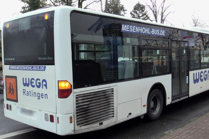 Mit diesem Bus waren die Kinder auf dem Weg in die Schule.