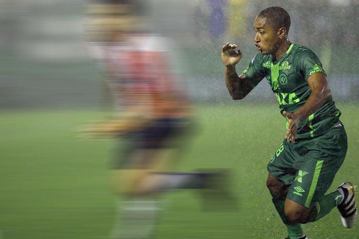 Matheus - hier bei einem Spiel für Chapecoense - spielte bis zum Sommer in Deutschland.