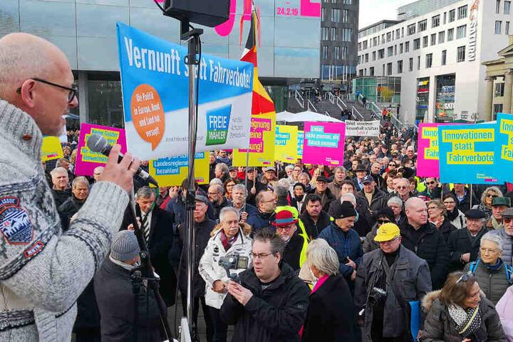 Kundgebung am Samstag am Stuttgarter Schlossplatz.