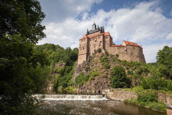 Die Burg Kriebstein ist das Wahrzeichen an der Talsperre.
