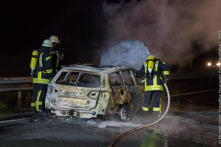 Andere Autofahrer bildeten keine oder nur zögerlich eine Rettungsgasse. So kam die Feuerwehr erst spät am Brandort an.