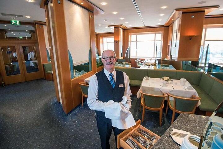 """Mit einem """"Menu d'Amour"""" öffnet das Panorama-Restaurant wieder. Uwe Moser (61) kennt die Geschichte des Hauses wie kaum ein anderer."""