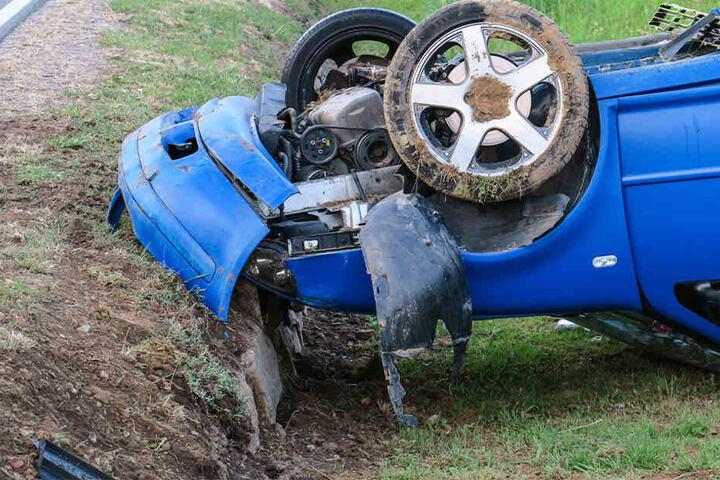 Der Fahrer wurde verletzt und kam ins Krankenhaus.