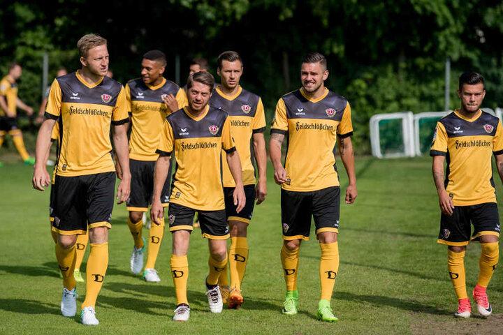 Laufen die Spieler von Dynamo beim DFB-Pokal in Zwickau auf?