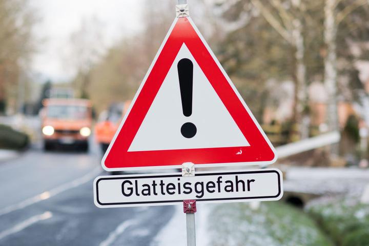 Der deutsche Wetterdienst warnt besonders für den Zeiten am Morgen.