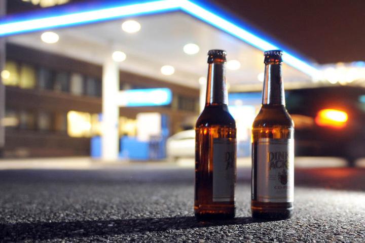Der 21-jährige Fahrer hat vermutlich am Abend zuvor ordentlich einen getrunken gehabt.