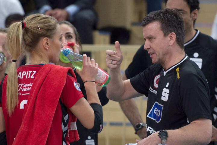 Trainer Alexander Waibl im Gespräch mit Mareen Apitz.