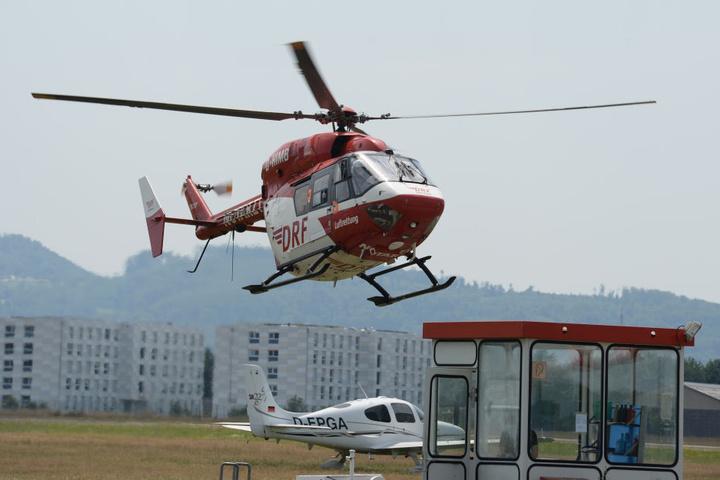 Mit einem Hubschrauber wurde der Mann in ein Krankenhaus gebracht. (Symbolbild)