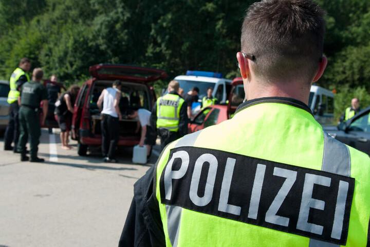 Immer wieder gibt es gemeinsame Kontrollen der sächsischen und bayrischen Polizei, auch mit Kollegen aus Tschechien.