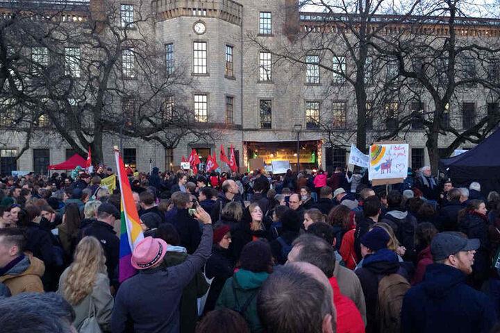 Viele Demonstranten fanden sich im Ravensberger Park ein.