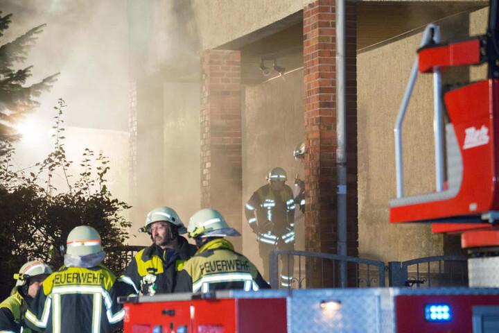 Dichter Rauch war aus dem Geschäft gedrungen und hatte einen Großeinsatz der Feuerwehr ausgelöst.