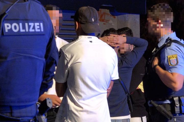 Mehrere Polizeistreifen – auch aus dem benachbarten Bayern – kamen zum Einsatz.