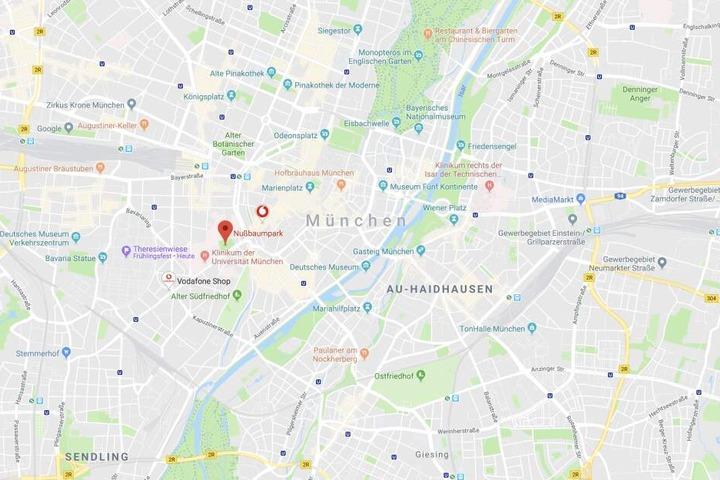 Ein Paar hat auf einem Spielplatz in München Geschlechtsverkehr - vor den Augen mehrere Kinder.