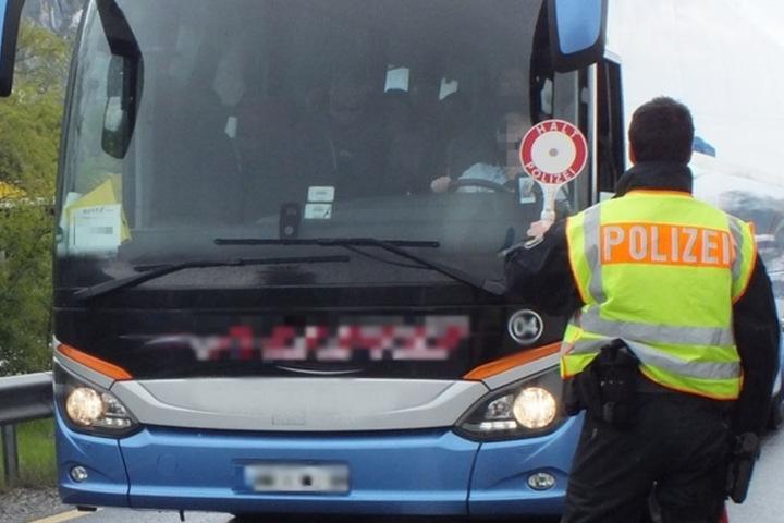 Illegale Migration: Die Bundespolizei wird bei Reisebus-Kontrollen immer wieder fündig. (Archivbild)