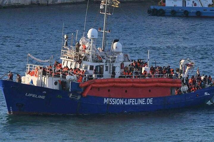 """Die """"Lifeline"""" durfte erst nach tagelangem Bangen in Valletta einlaufen."""