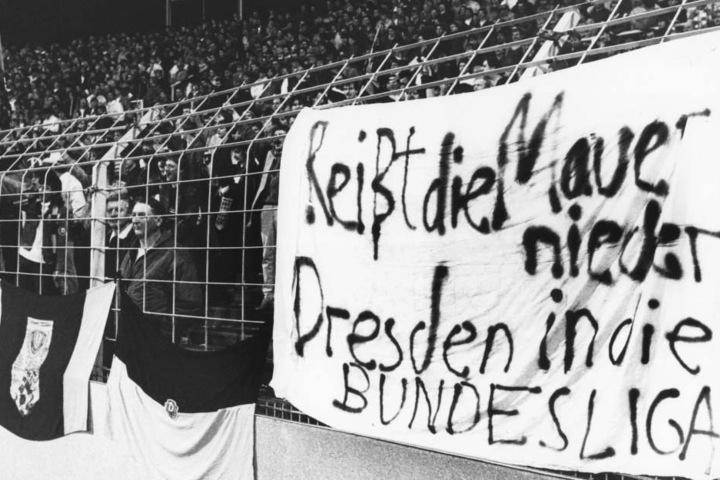 Deutliches Plakat der Uerdinger Fans im Europapokal 1986. Mindestens ebenso deutlich endete das Rückspiel zu Ungunsten der Dresdner.