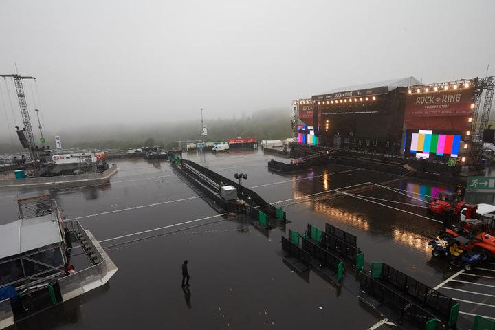 Rund 80 Bands treten am Nürburgring auf drei Bühnen auf.